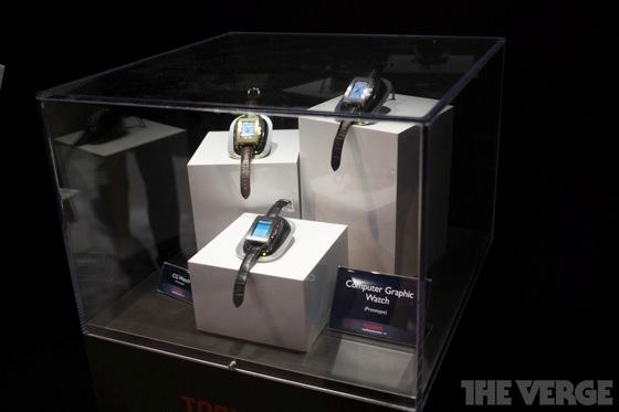 Toshiba smartwatch 20130110 2