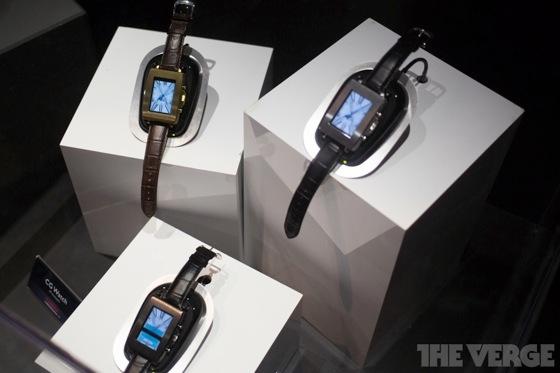 Toshiba smartwatch 20130110 3