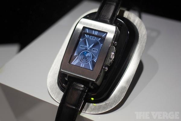 Toshiba smartwatch 20130110 4