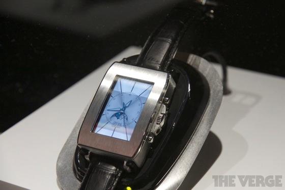 Toshiba smartwatch 20130110 5
