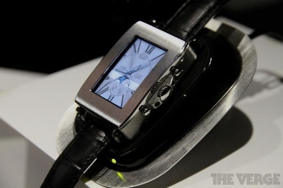 Toshiba smartwatch 20130110 6