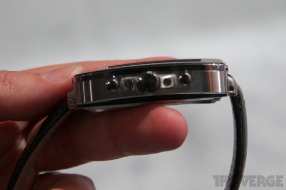 Toshiba smartwatch 20130110 8